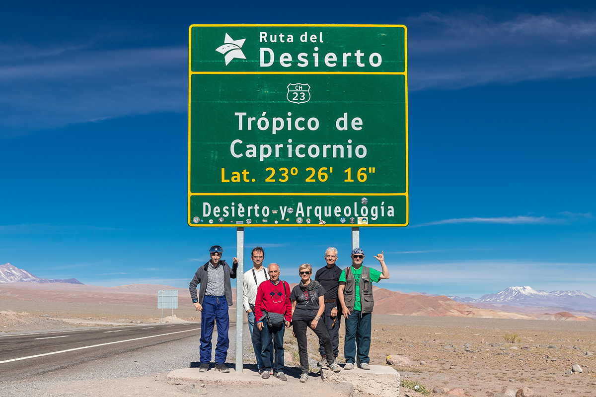 TSE2019 trip participants under the tropic of capricorn sign